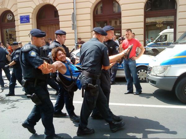 svibor i 4 policajca